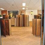 Showroom met houtsoorten